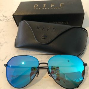 Diff Sunglasses Pilarized Blue Mirror Aviators NWT